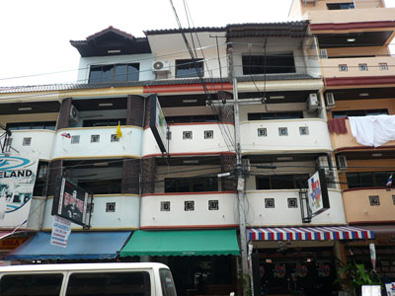 3som Bar and Guesthouse Pattaya